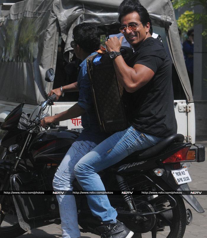 Celebrities On Air: Ranbir, Big B, Shah Rukh