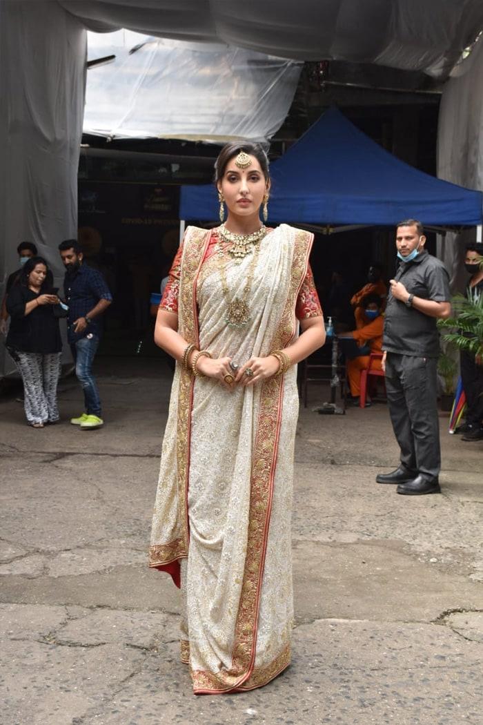 Catching Up With Kareena Kapoor, Nora Fatehi, Rhea Chakraborty