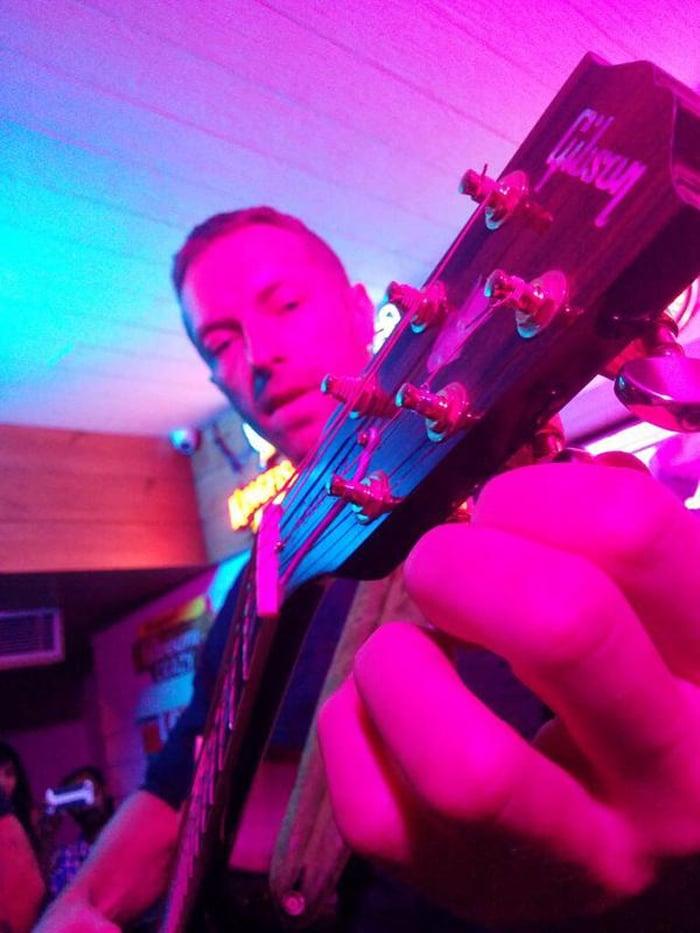Chris Martin, Yes Him, Performed in Delhi With Vishal Dadlani, Frieda Pinto