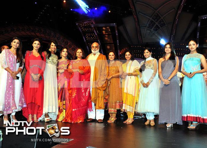 Kamal Haasan and Chiranjeevi at CineMAA Awards