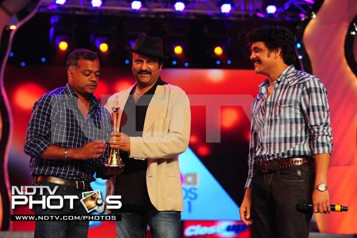 Telugu stars at Cinemaa Awards 2011