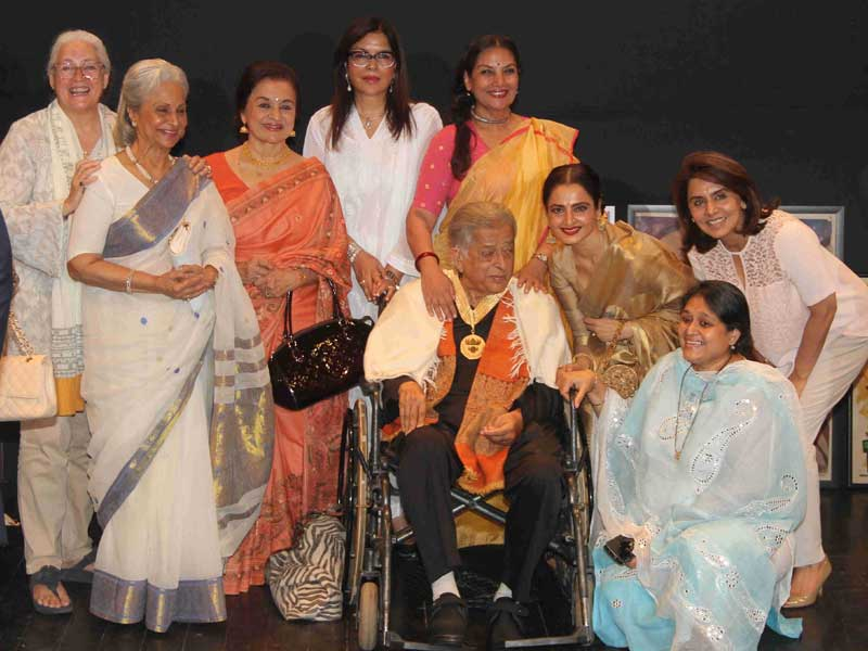 Photo : At Prithvi Theatre, a Gathering of Friends and Family For Shashi Kapoor
