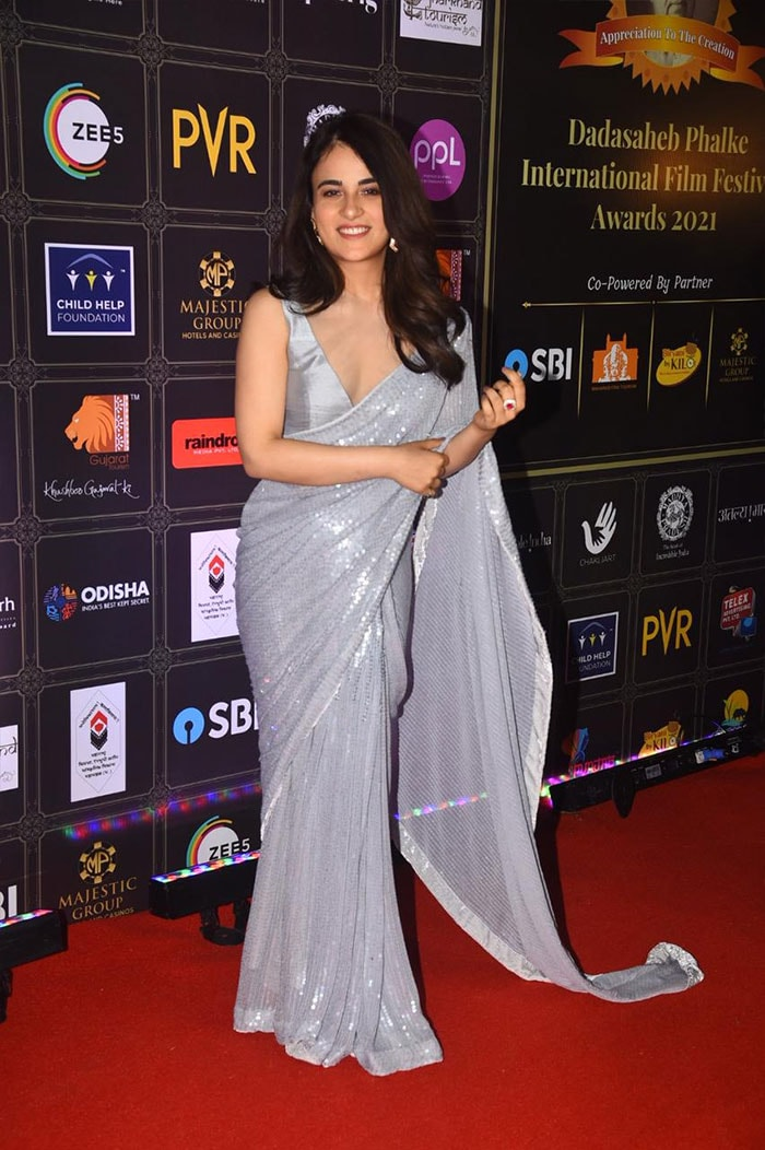Dadasaheb Phalke International Film Festival Awards 2021: Sushmita Sen, Kiara Advani, Daisy Shah and Nora Fatehi Turn Up The Heat On The Red Carpet