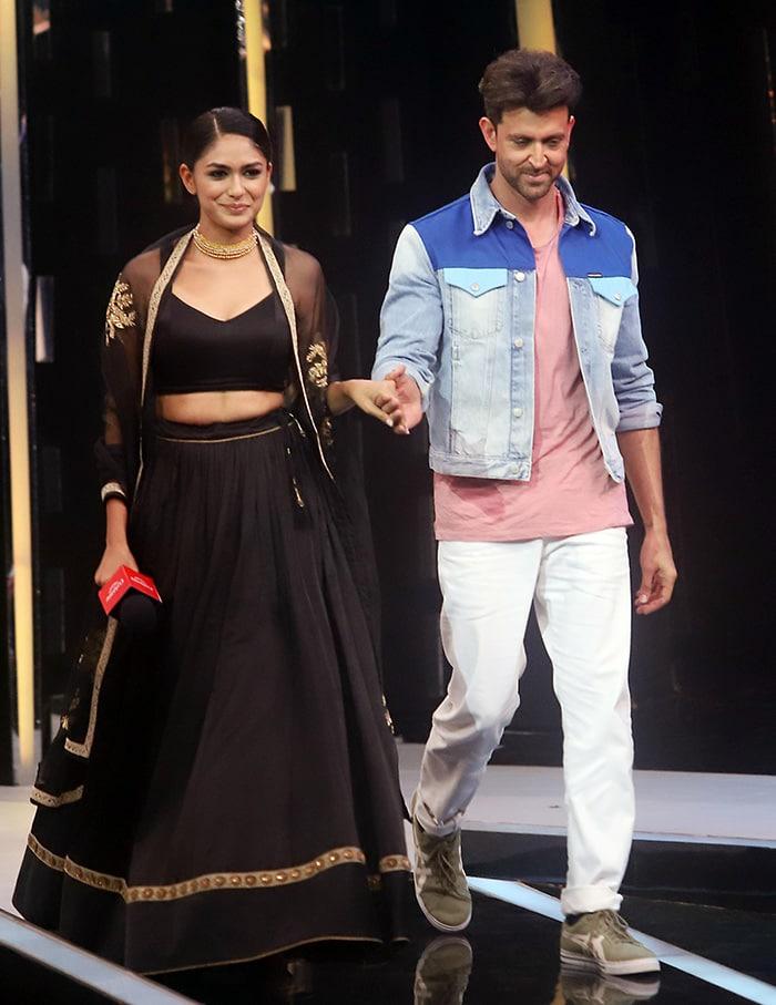 We're Deewane Of Madhuri Dixit, Hrithik Roshan's Dance Moves
