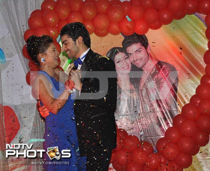 Inside Debina, Gurmeet\'s wedding anniversary party