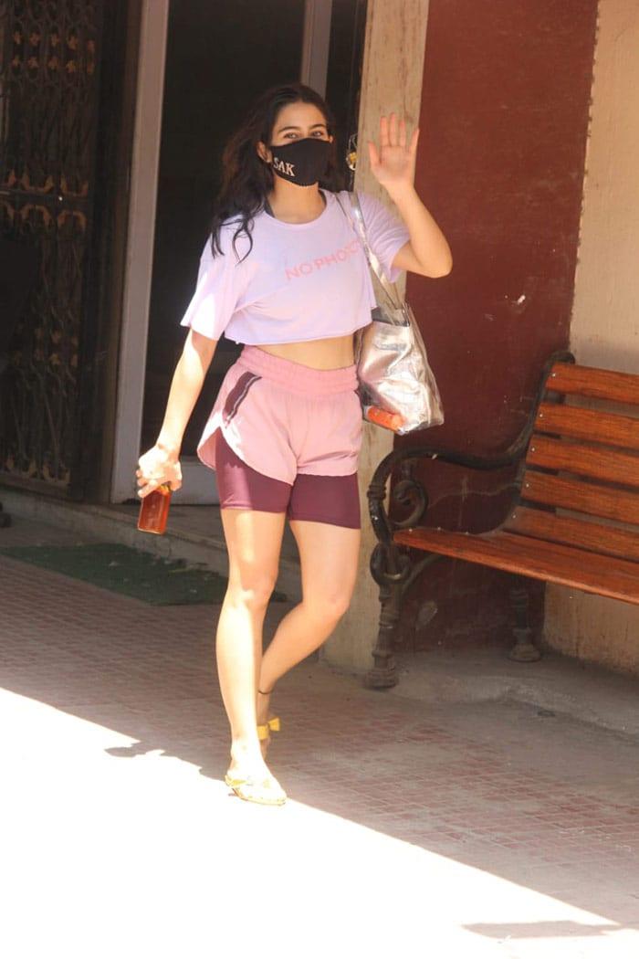 Pics From Deepika Padukone, Ananya Panday And Siddhant Chaturvedi\'s Shoot Diaries