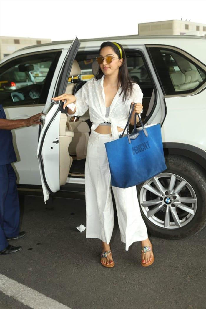 We Love Deepika Padukone And Priyanka Chopra\'s Airport Looks