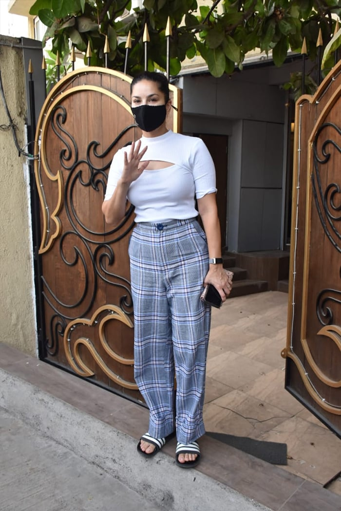 Sunny Leone posed for the cameras as she was spotted outside a clinic in Juhu.