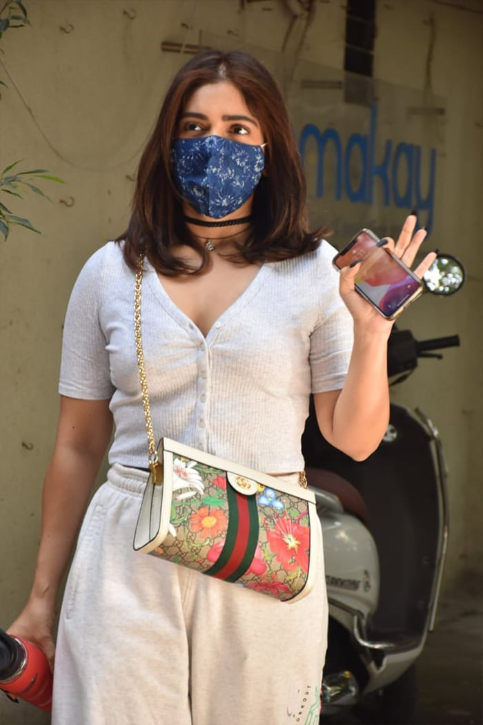Bhumi Pednekar was also snapped in Juhu but outside a salon.