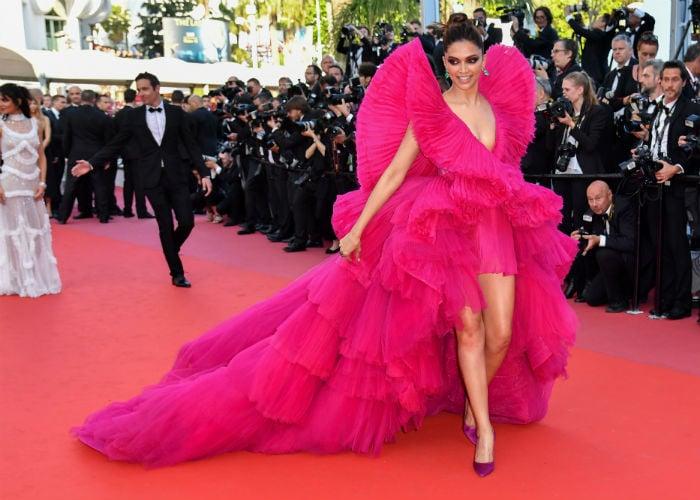 Cannes 2018: दूसरे दिन भी दीपिका और कंगना ने बिखेरा जलवा, देखिए कौन बेहतर