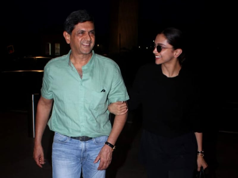 Deepika Takes Off With Father Prakash Padukone. Such Happy Pics