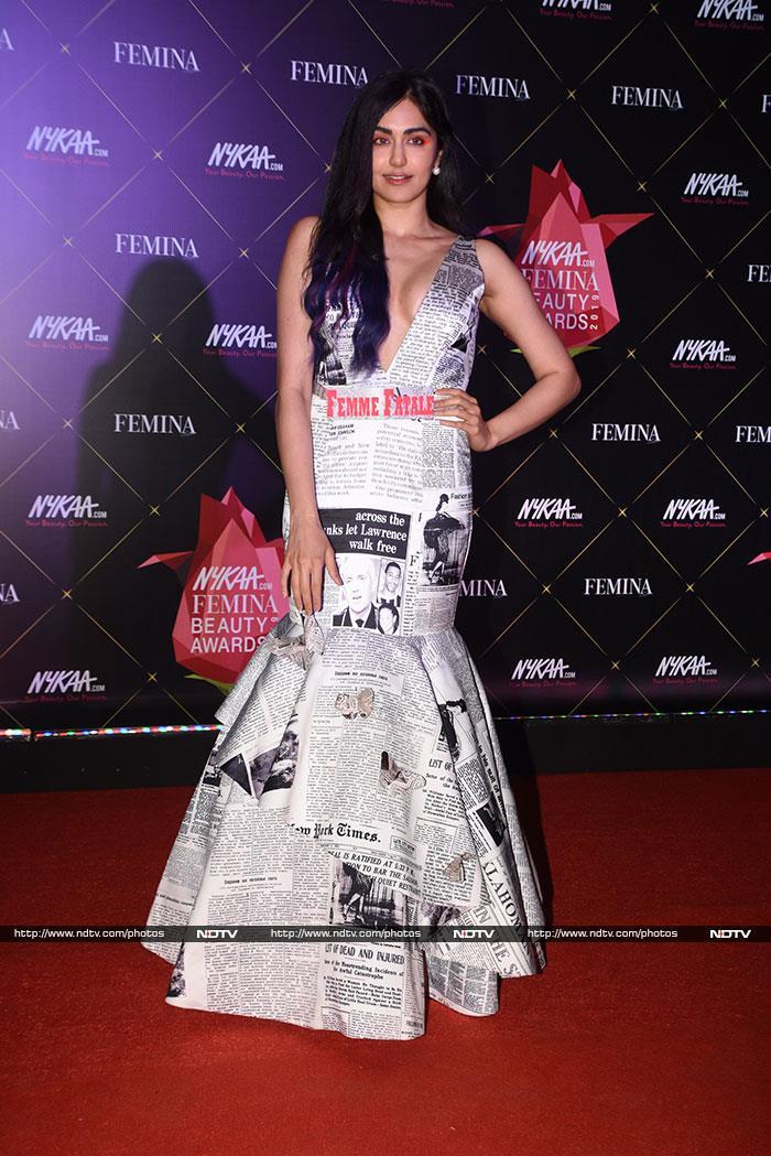 फेमिना ब्यूटी अवार्ड में दीपिका और रणवीर से नहीं हटी नजरें