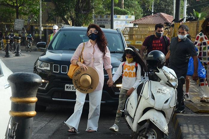 Keeping It Casual With Deepika Padukone, Twinkle Khanna, Preity Zinta