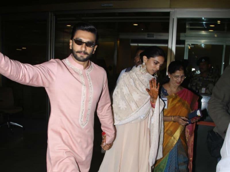 Photo : बैंगलोर रिसेप्शन पार्टी के बाद मुंबई वापस लौटे दीपिका और रणवीर
