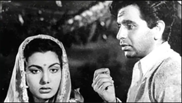 Dilip saab worked opposite actress Nimmi in Daag (1952). He won the first ever Filmfare Best Actor Award given out for his performance.