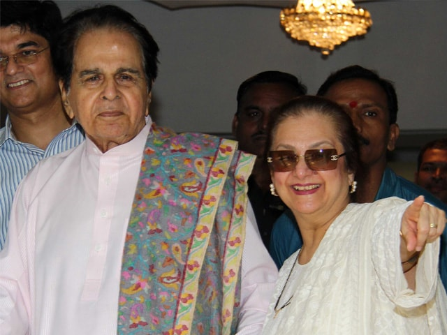 Dilip Kumar Goes Home From Hospital, Saira Banu by His Side