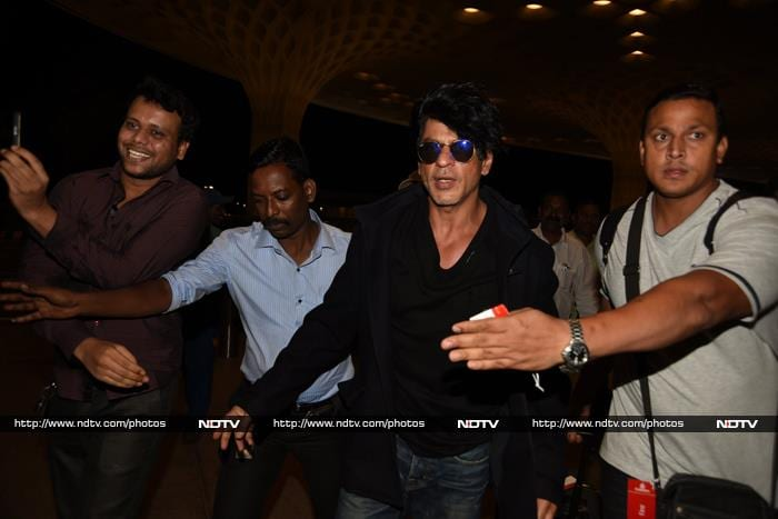 A Dilwale Show at Mumbai Airport