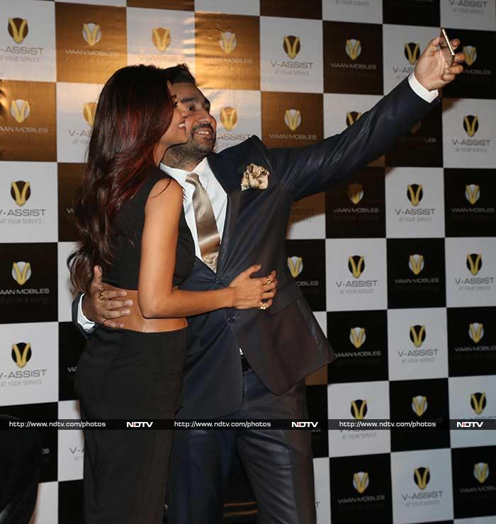 A Night of Stargazing: Shilpa, Big B, Ranveer, Parineeti