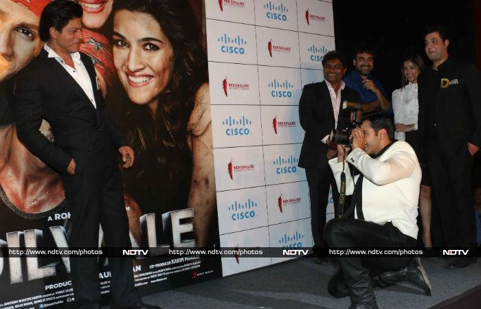 SRK Hearts Kajol at Launch of Dilwale Trailer