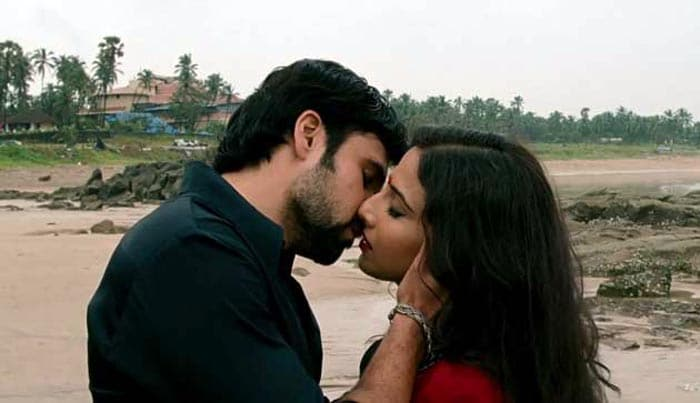 Emraan-Vidya\'s hot kiss in The Dirty Picture