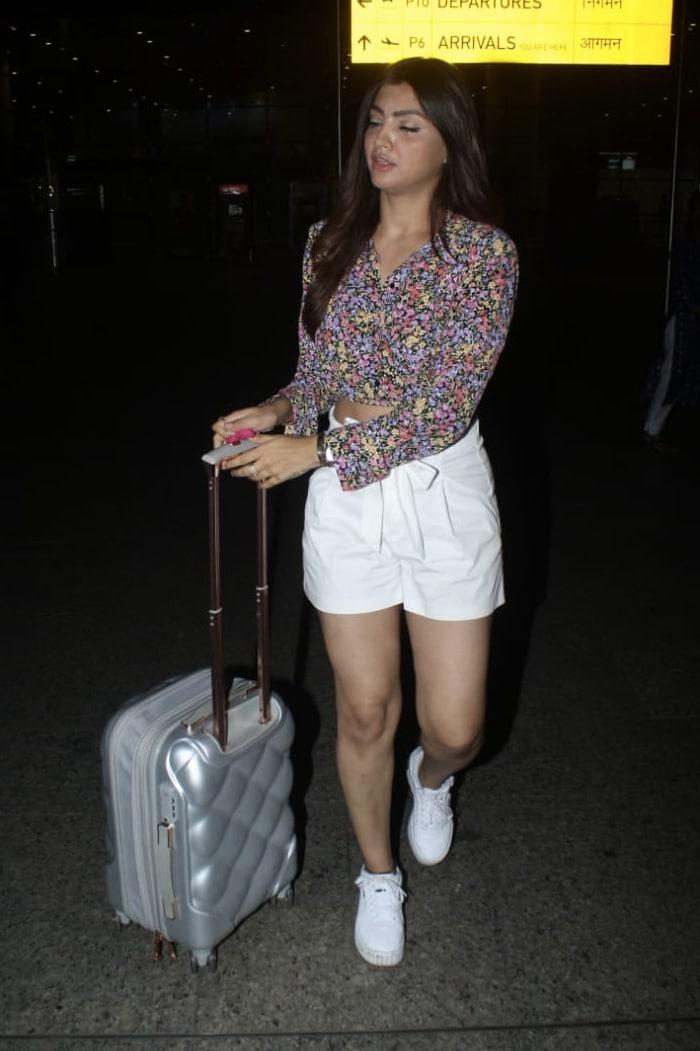 Airport Fashion Done Right, Courtesy Disha Patani, Sidharth Malhotra