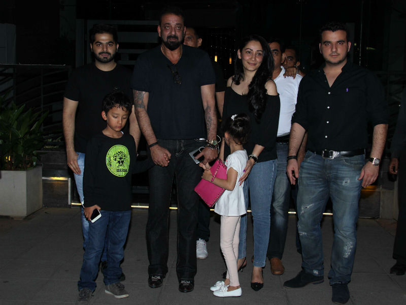 Sanjay Dutt Dines With Maanyata And Twins
