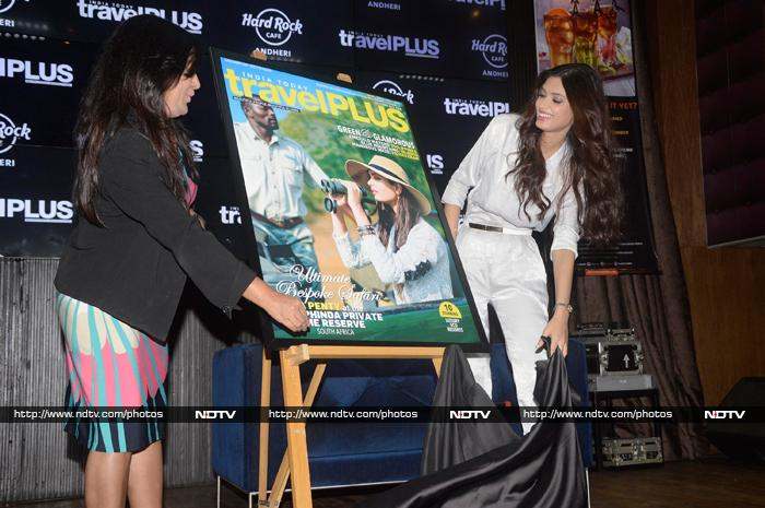 A Traveller And  Women\'s Rights Champion: Diana Penty, Farhan Akhtar
