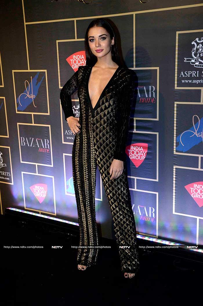 Of Saris and Gowns: Jacqueline, Waluscha\'s Night of Fashion
