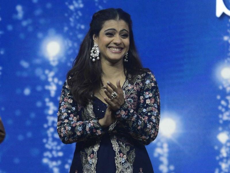'Eela' Kajol And 'Happy' Sonakshi On Work Duties