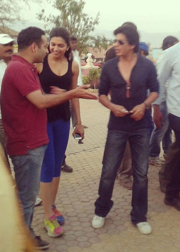 SRK, Deepika and the fun Express