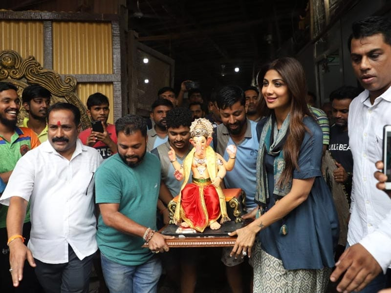 Ganesh Chaturthi 2019: Shilpa Shetty, Vivek Oberoi And Others Welcome Bappa