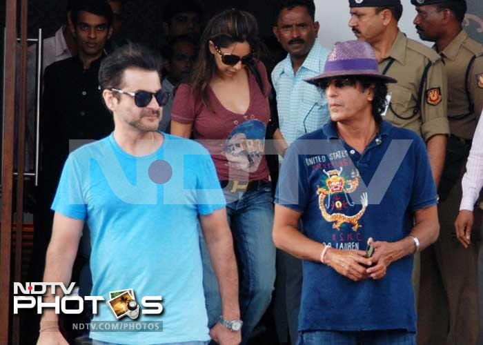 Gauri and Suhana Khan fly home to Mumbai
