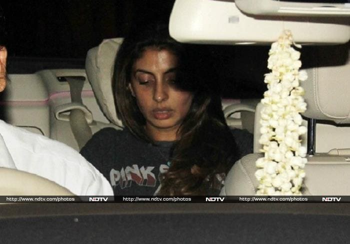 Gauri Khan and Shweta Bachchan Begin the Week With a Bang