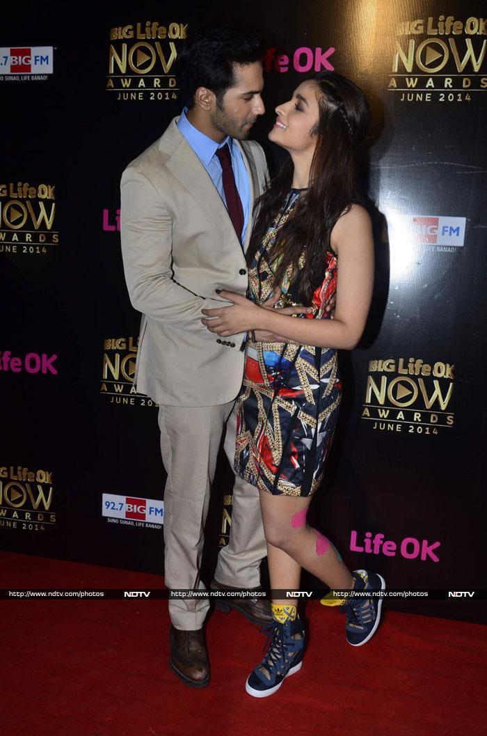 Bollywood Glitters at Life OK Awards