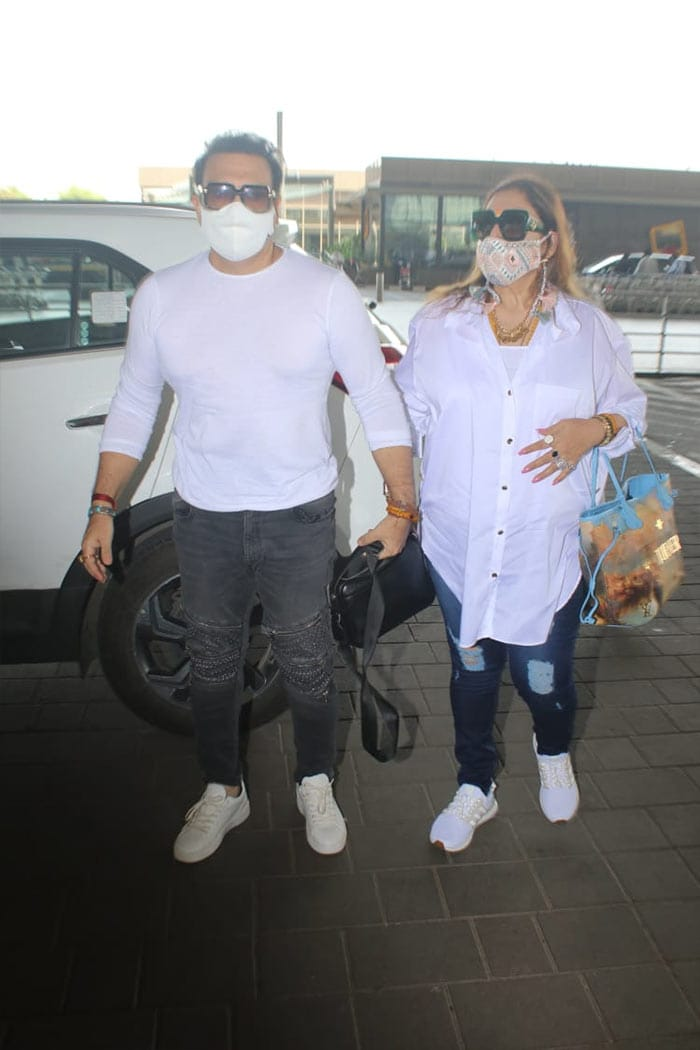 After Testing COVID-Negative, Govinda Flies Out Of Mumbai With Wife Sunita