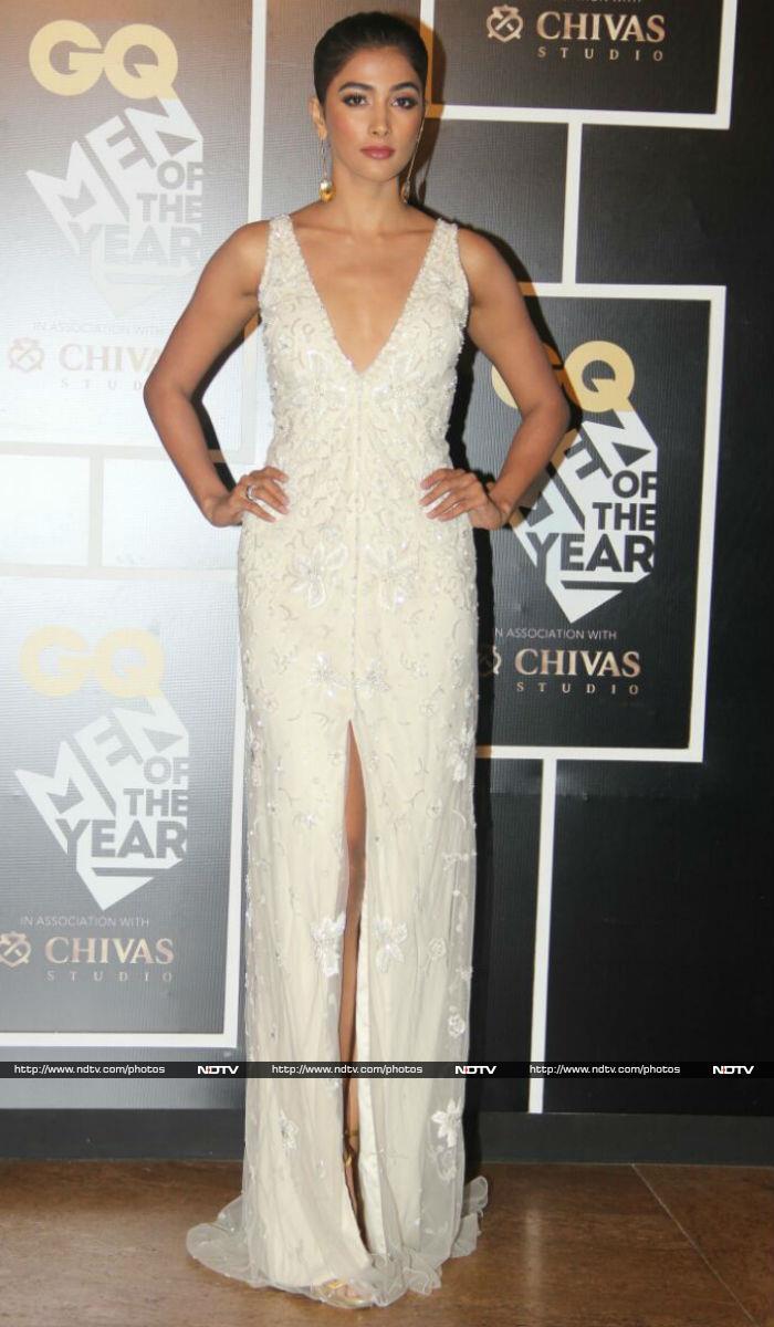 Kangana Ranaut, Radhika Apte Make An Entry Like A Boss At GQ Awards