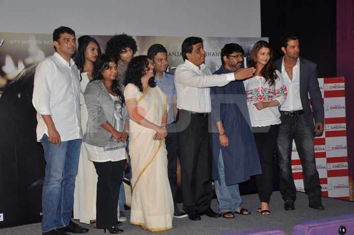 First look @ Ash, Hrithik starrer Guzaarish