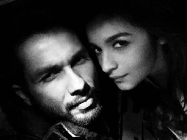 Alia Bhatt, Shahid Kapoor's Shaandar Selfie-Love