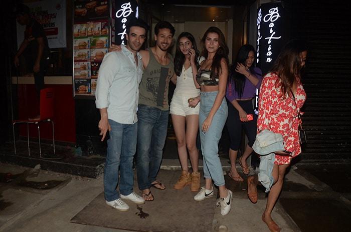 पुनीत मल्होत्रा के बर्थडे पार्टी में नजर आए अनन्या पांडे, टाइगर श्रॉफ और तारा सुतारिया