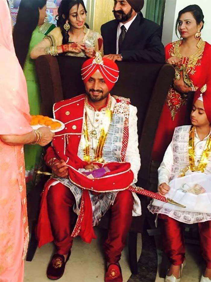 First Pics: Harbhajan Singh\'s Wedding Look