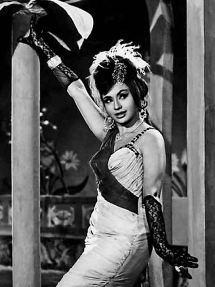 Dancing queen bollywood india 4
