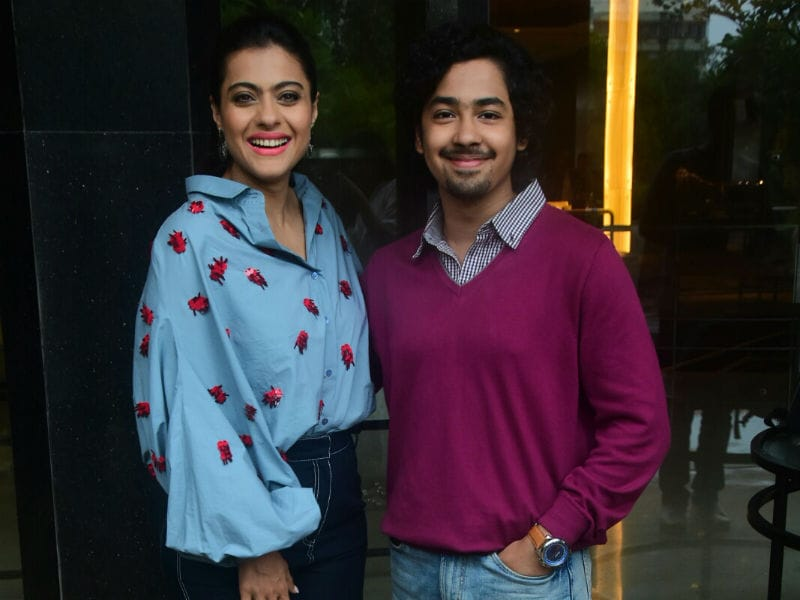 Photo : Aaila, Eela! Pics From Kajol And Riddhi Sen's Latest Outing