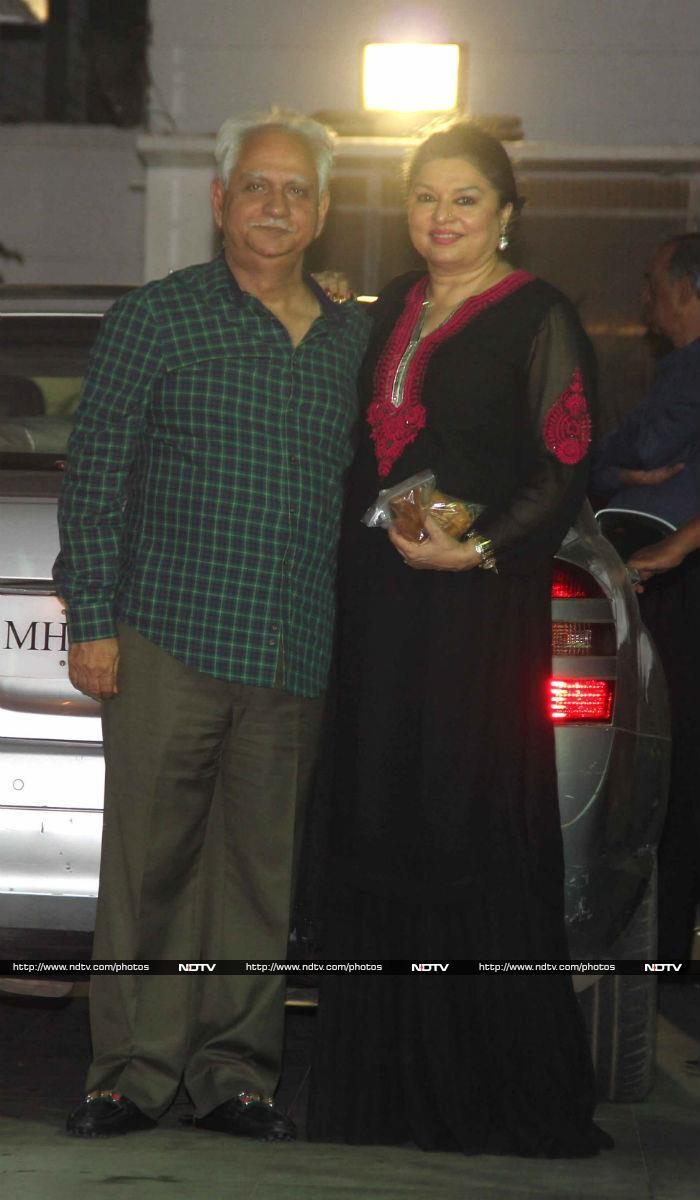 Hema Malini\'s Birthday Party And A Naseeb Reunion