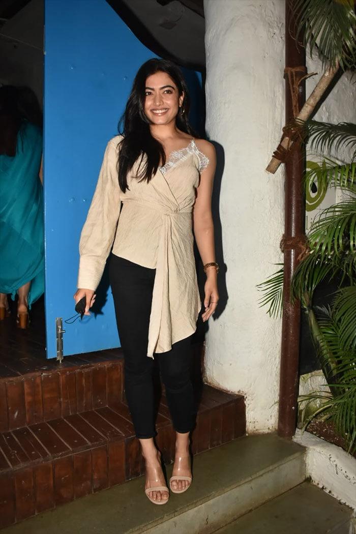 How Kareena Kapoor And Malaika Arora Started The Week