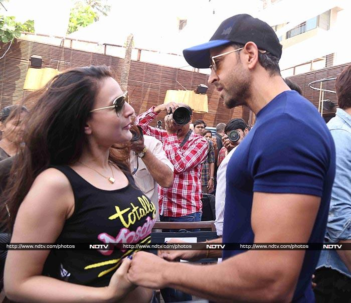 A Kaho Naa... Pyaar Hai Reunion For Hrithik And Ameesha