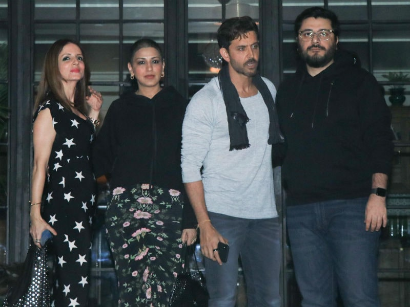 Hrithik Roshan Celebrates Birthday with Sussanne, Sonali And Gayatri