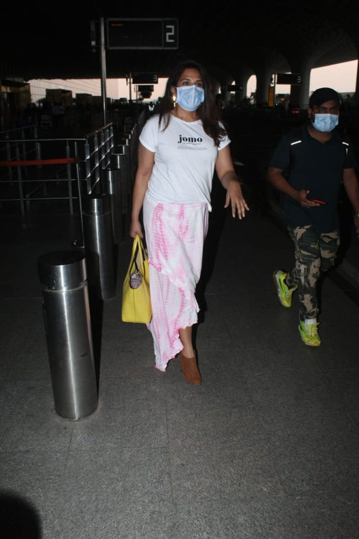 Richa Chadha also wore a white outfit to the airport.