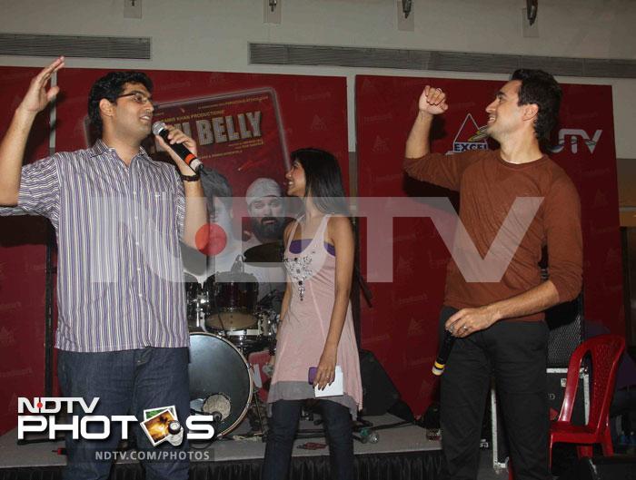 Imran unveils the DVD of Delhi Belly