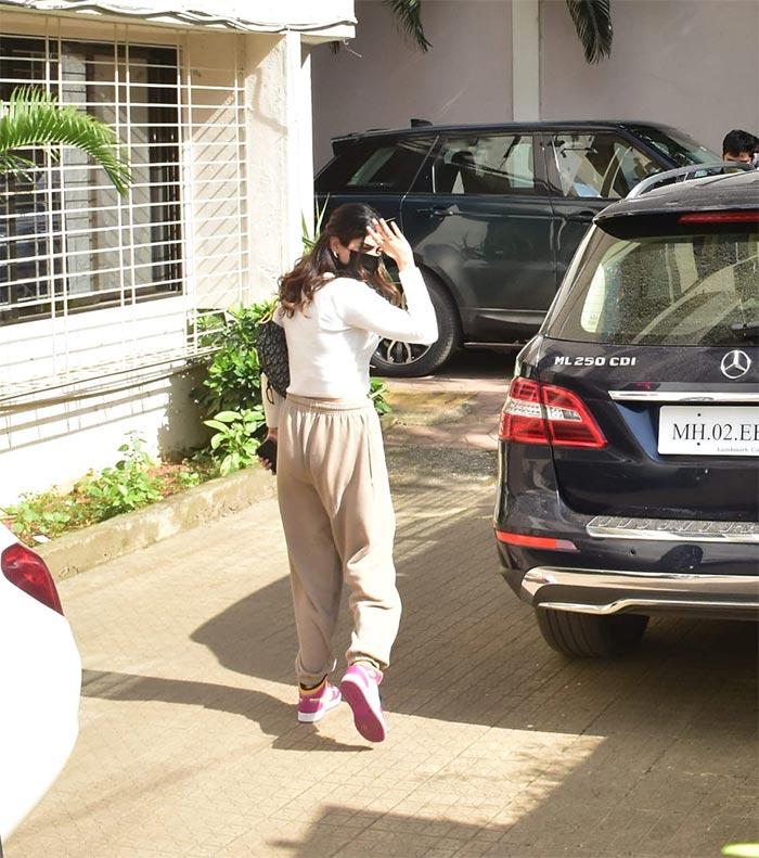 Jab Khushi Kapoor And Agastya Nanda Met Zoya Akhtar