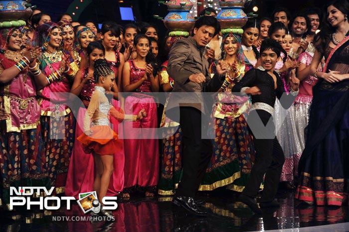 When SRK kissed a belly dancer